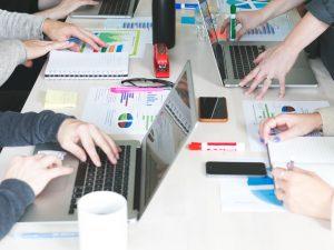 team-sales-business-meeting